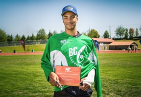 Box Lacrosse athlete Max Stalling wins W.R. Bennett Award