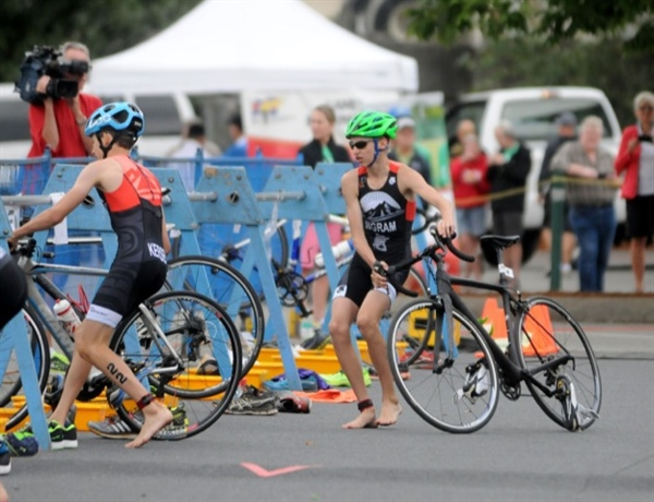 Okanagan athletes sweep boys triathlon