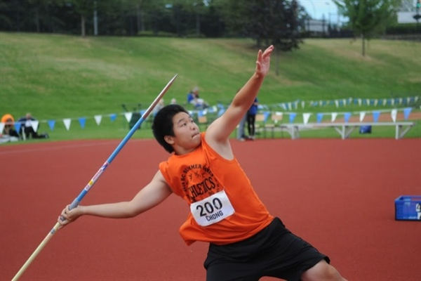 No record, but golden throw for Chong